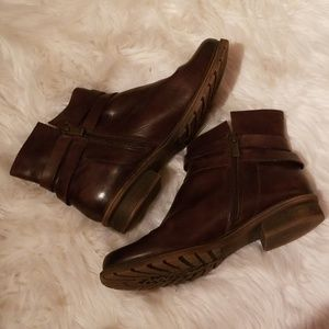Kenneth Cole Reaction Shoes - Leather Kenneth Cole Reaction Womens sz 10 Booties
